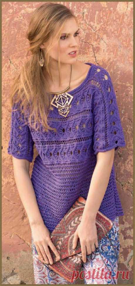 Фиолетовый пуловер, связанный поперёк