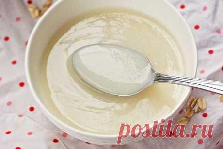 Овсяный кисель восстанавливает здоровье  Овсяный кисель полезен для желудка, печени и почек. Он растворяет камни в желчном и мочевом пузыре, снижает холестерин в крови. Овёс восстанавливает силы, даёт энергию, помогает от депрессии.  Для приготовления нужно взять:  - 1 стакан овсяной крупы - 5 стаканов воды - 1 стакан молока - мёд  Поставить на огонь и кипятить на слабом огне до состояния жидкого киселя. Затем добавить молоко до первоначального объёма и прокипятить. Когда ...