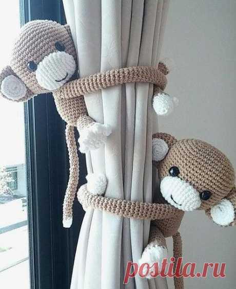 Держатель для штор в виде симпатичной обезьянки