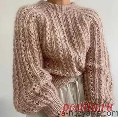 Модный женский свитер 2021 года. Узоры для свитера спицами