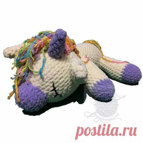 Плюшевый единорог купить, молочного цвета с фиолетовым, 31 см. Плюшевый единорог купить, молочного цвета с фиолетовым, 31 см - Данная плюшевая игрушка отлично сочетает в себе молочный цвет и фиолетовый. Туловище единорога выполнено молочном цвете. Элементы такие как мордочка копытце, рожица выполнена фиолетовым цветом. Грива и хвост используют пряжу меланж. Вес изделия 348 гр.