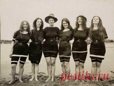 Как менялись купальники с 1910-х годов до наших дней