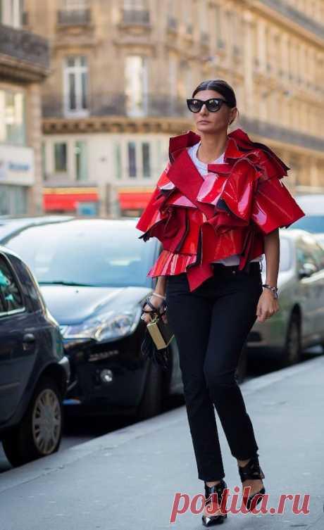 Особенности стиля авангард в одежде на примере образов