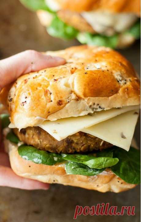 Вегетарианский овощной бургер из бобов и тыквы рецепт с фото