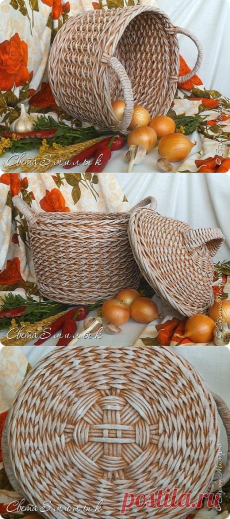 Плетем корзинку из газетных трубочек