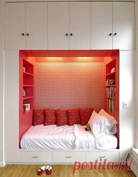 At first sight can seem that a small bedroom - the room which because of the lack of space cannot be comfortable and stylish...