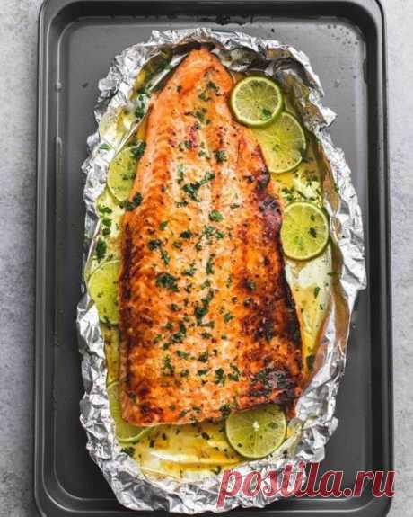 Филе лосося, запечённое с лаймом и мёдом