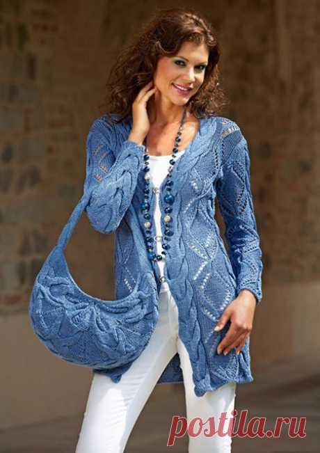 Кардиган и сумочка со сцепными косами спицами – схемы с описанием вязания из хлопка — Пошивчик одежды
