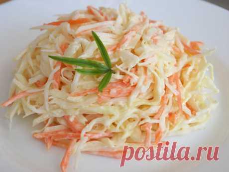 Французский салат с морковью и сыром — готовьте побольше   Вкусно и полезно!     Ингредиенты в произвольном кол-ве. морковь — 4 средних штукияйца, сваренные вкрутую — 4 штукитвердый сыр — 200 граммчеснок — 2 зубчика. Приготовление:  Все ингредиенты натирае…