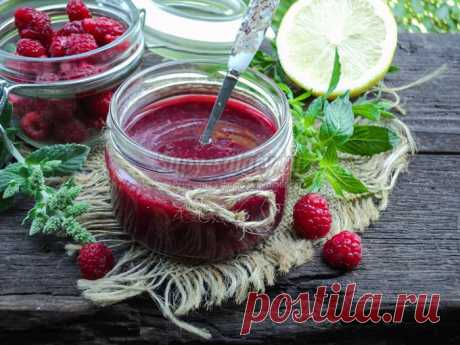 Raspberry jam with mint - even more fragrant and tasty, than welded only from berries