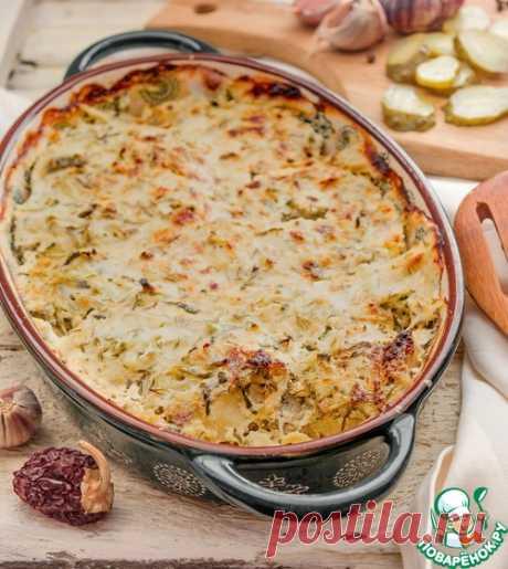 Минтай в сметане с маринованными огурцами – кулинарный рецепт