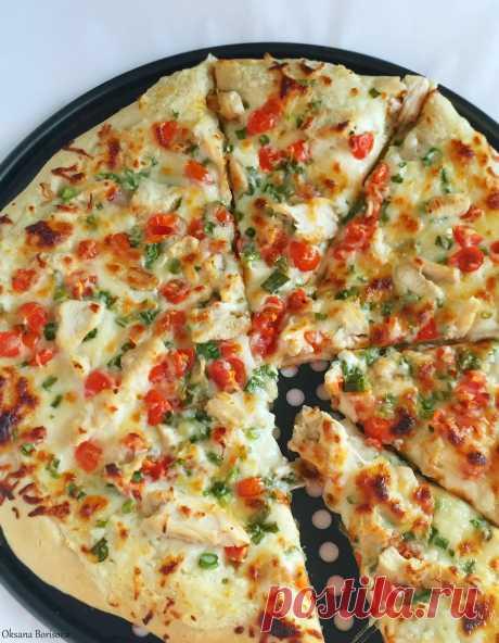 Кулинарные моменты: Пицца с курицей и чесночным соусом