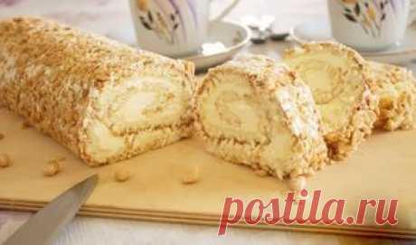 """El panecillo \""""Slivochno-de nuez\"""". La cocción muy sabrosa, rápida y simple Muy a menudo al té de casa al alquitrán de bizcocho ruletiki con los rellenos diferentes—..."""