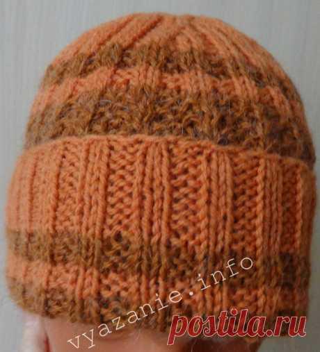 Зимняя шапка связанная спицами резинкой. - Все о вязании Зимняя шапка, связанная спицами по кругу снизу вверх. Как вязать красивые полоски разных цветов. Женская и мужская шапка резинкой своими руками.