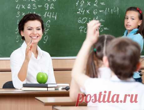 Зарплата учителей: будут ли повышать в 2019 году Оклады педагогов всех уровней будут увеличены с начала 2019 г. на 6%, что обойдется бюджету дополнительным субсидированием в 109 077,8 млн руб. После индексации зарплата учителей средней школы достигнет 44 760 руб., педагогов, преподающих в вузах, – 93 000 руб., воспитателей дошкольного образования – 34 700 руб. С 2013 г. оплата труда педагогических работников выросла на 40-117%. На ближайшие 3 года запланирован дальнейший р...
