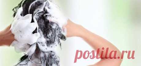 Как сделать шампунь в домашних условиях Предлагаем вам простой рецепт, по которому вы сможете приготовить натуральный шампунь в домашних условиях. Сохраните здоровье и блеск ваших волос.