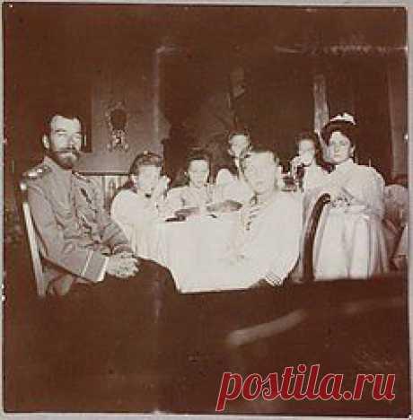 последний снимок царской семьи между 1907и 1915 годами