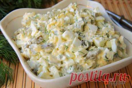 Салат с яйцами, солеными огурцами и сыром 1 - рецепты с фото на vpuzo.com
