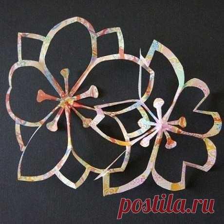 Вырезаем цветы из бумаги для декора комнаты или праздника