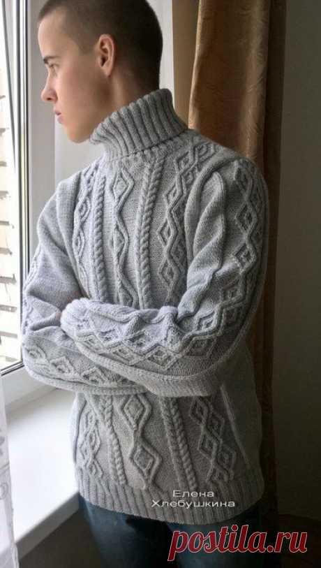 Мужской свитер «Turtle» Елены Хлебушкиной связан спицами