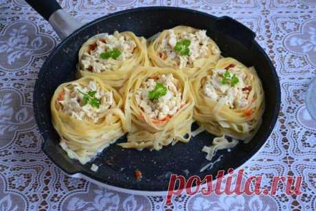Гнезда с мясным фаршем и овощами: любимое блюдо с очень оригинальной подачей...
