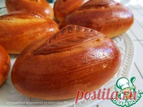 Los pastelillos con el puré de patatas, la cebolla y el bacon - la receta de cocina