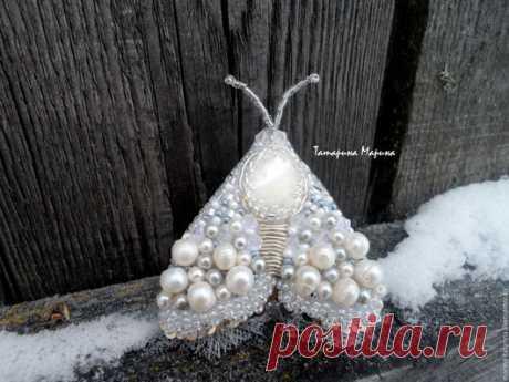 """Купить """"Снежный мотылек"""" брошь - белый, серебряный, мотылек, бабочка, зима, Новый Год"""