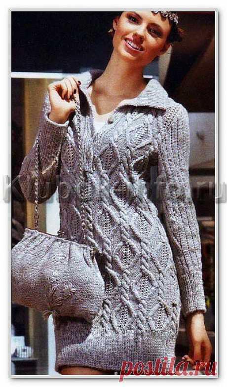 Вязаное платье-поло.