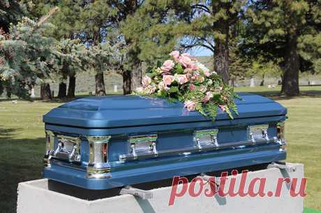 К чему снится Гроб — 45 значений сна видеть Гроб закрытый, отрытый, пустой, с покойниками для женщин и мужчин