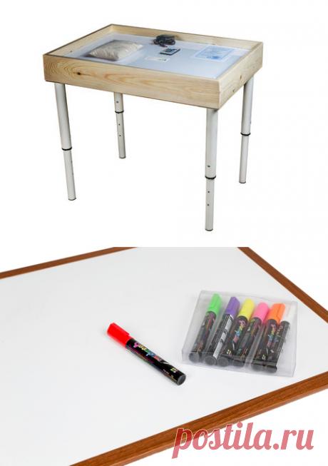 Стол для рисования песком 54*74 см + ножки телескопические Удобный стол для песочной анимации с подсветкой и ножками, длину которых можно менять в зависимости от роста ребенка. Изготовлен из сосновой древесины, имеет средний размер.  Основные преимущества: