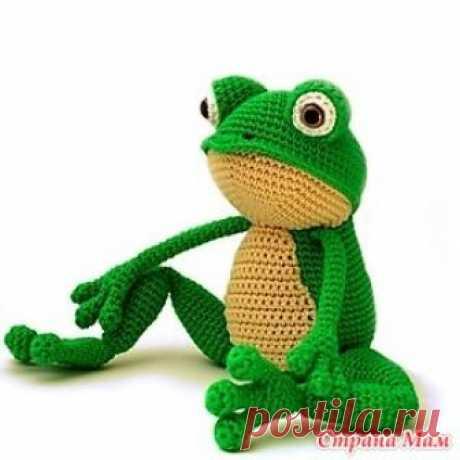 . Лягушка-игрушка крючком Вяжите игрушки детям! Такую игрушку можно постирать,она не содержит клея или других вредоносных веществ и дышит теплом рук,которые ее связали