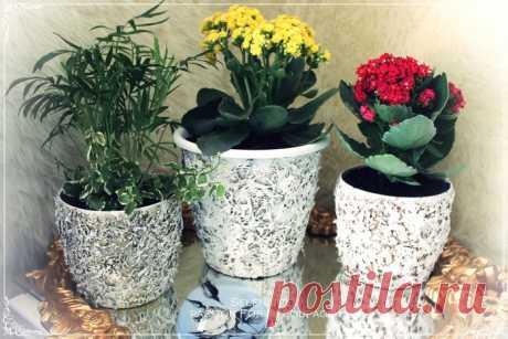Декорирование цветочных горшков соломой и сухими листьями
