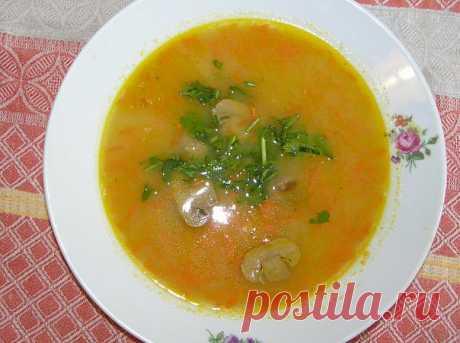 Картофельный суп-пюре с шампиньонами.
