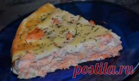 Пирог с семгой. Нежный пирог с семгой вкусный и витаминный, приготовить его сможет даже ребенок.