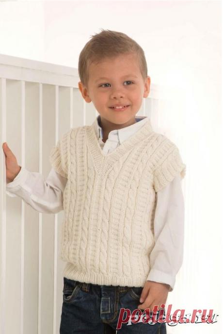 Детский жилет спицами с V-горловиной