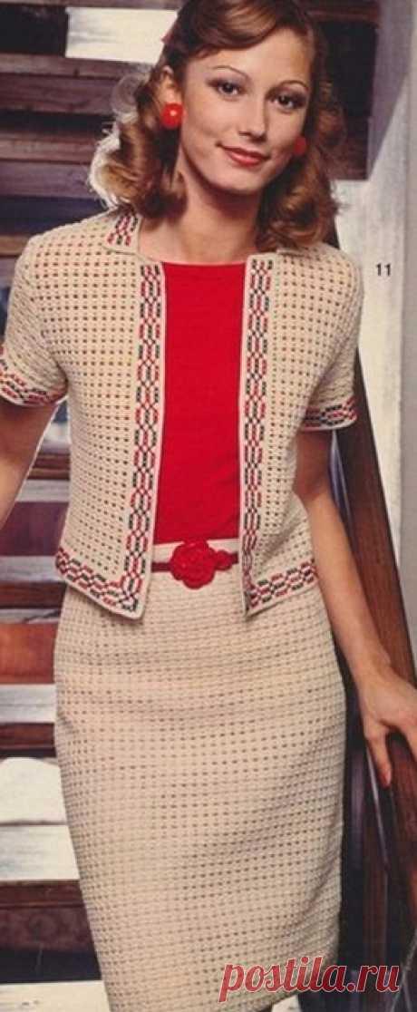Вязание крючком. Костюм в стиле Коко Шанель.