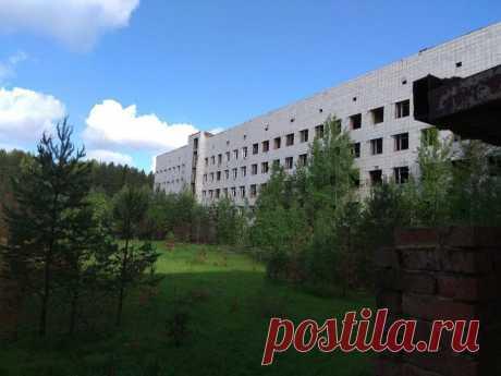 Заброшенная больница в глухих Уральских лесах | Den Stalk | Яндекс Дзен