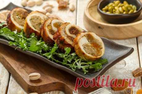 Куриный рулет с сухофруктами в духовке – пошаговый рецепт с фото.