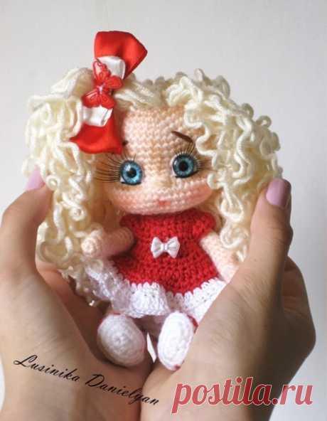 Амигуруми вязаные игрушки  Оформление личика вязаной кукле Автор: Люсинка Даниелян  #амигуруми #вязаныеигрушки #вязаниекрючком