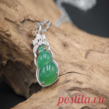 Green Chalcedony Gourd Pendant-925 sterling silver edging | Etsy