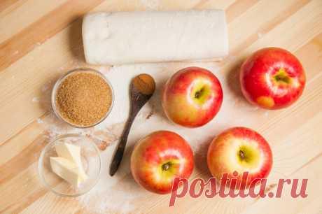 Слойки с яблоками - пошаговый рецепт с фото - как приготовить, ингредиенты, состав, время приготовления - Леди Mail.Ru
