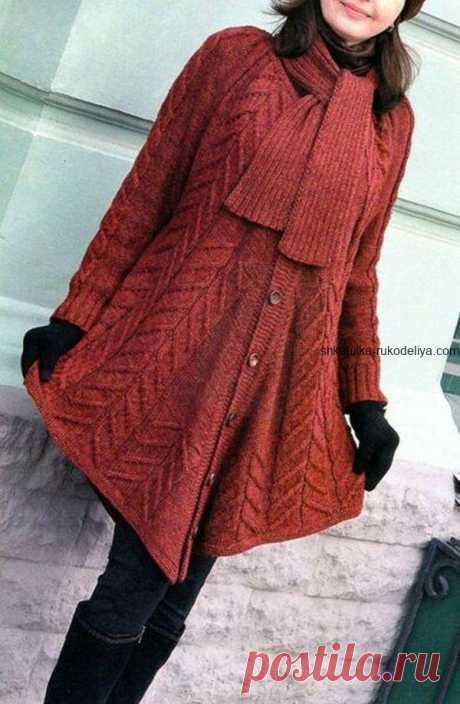 Пальто-пончо с шарфом Пальто-пончо с шарфом спицами. Стильное осеннее женское пальто спицами