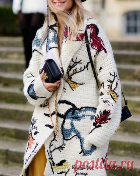 Модные тенденции в вязании на осень-зиму 2020 года. Схемы некоторых моделей | Рукоделие и дети — ДЕТВОРЯНДИЯ | Яндекс Дзен