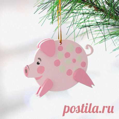 Игрушка елочная деревянная 'Свинка-копилка' купить в интернет-магазине PichShop, цена в Москве