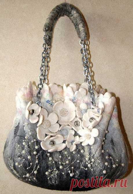 серебряный бриз - авторская сумка,цветы,чёрно-белый,валяная сумка,сумка с цветами