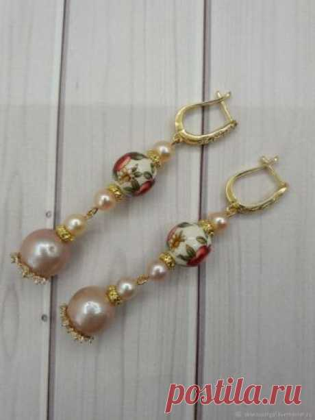 """Earrings """"Delicate Rose"""" with Natural Pearls and Tensh Beads 