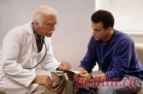 Диагностировать простатит достаточно трудно. Симптомы, свойственные простатиту, могут быть вызваны другими заболеваниями: инфекциями мочеполовой системы, не успевшими затронуть предстательную железу, воспалением уретры или аденомой предстательной железы. И наоборот, по локализации болей простатит можно принять за дисфункцию кишечника (колит) или патологию позвоночника (остеохондроз). Чтобы исключить ошибки, связанные с чрезвычайно многообразными и нестандартными клиническими проявлениями хрониче