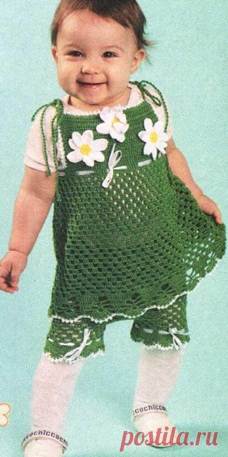 Красивый сарафан с ромашками для малышки Красивый сарафан с ромашками для малышки Модель этого красивого сарафана взята из журнала «Вязание модно и просто» №6/2013 г. Сарафан с ромашками зеленого цвета подойдет для девочки 1-1,5 года. Для вязания потребуется крючком номер 2 и 150 грамм пряжи (100% хлопок, 240 м/100 г). Ниже представлена схема вязания сарафана крючком. __________________________________________________________________________________________________________...