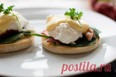 Яйца пашот на рисовой лепешке - идеальный завтрак выходного дня | to-be-woman.ru | Яндекс Дзен