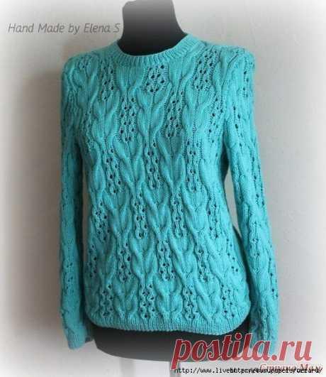 Пуловер мятного цвета с интересным узором спицами